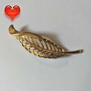 Vintage Gold Tone Monet Leaf Brooch Pin